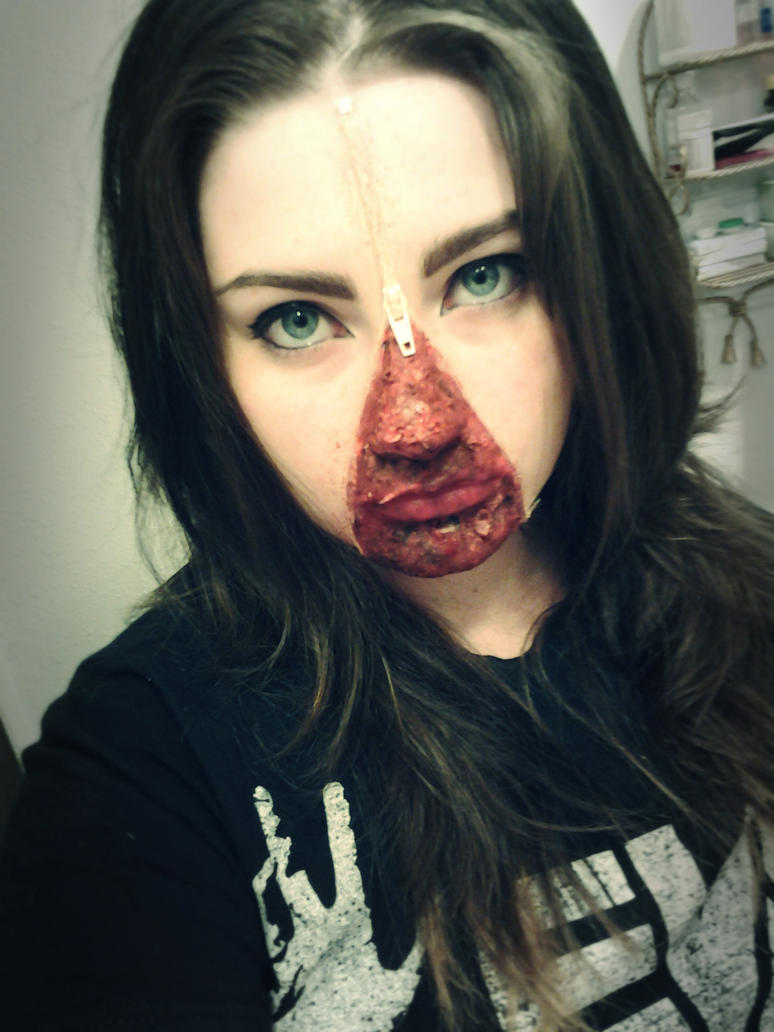 Zipper face by whentearsturnbloody