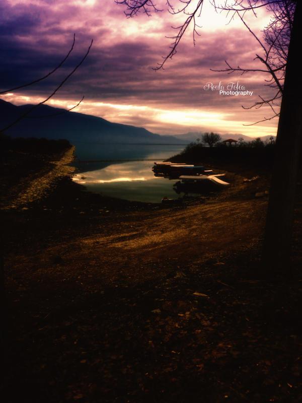 Dark lake by kouki1