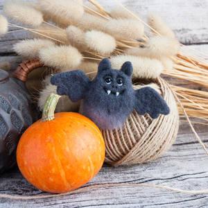 Bat Brooch - Halloween jewelry