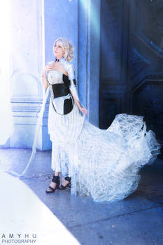 Lunafreya Cosplay - Final Fantasy XV Kingsglaive