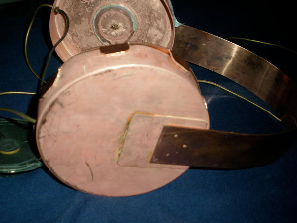 Copper headphones 2 by yarrbunny
