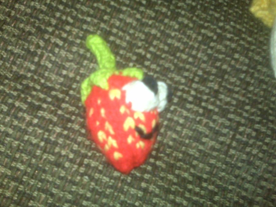 strawses berry by yarrbunny