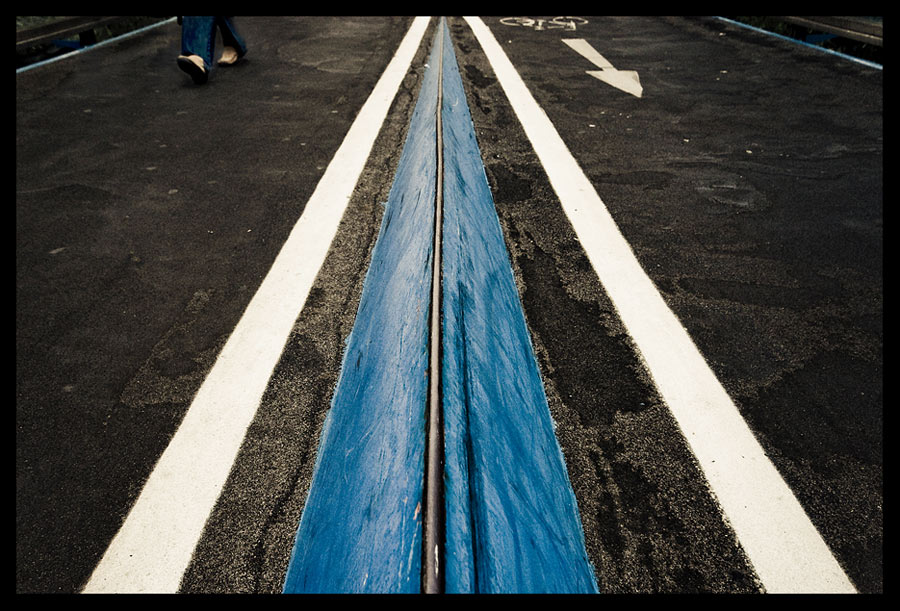 Follow the blue line by butterflyscream