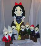 Snow White And The Dwarfs by Zosomoto