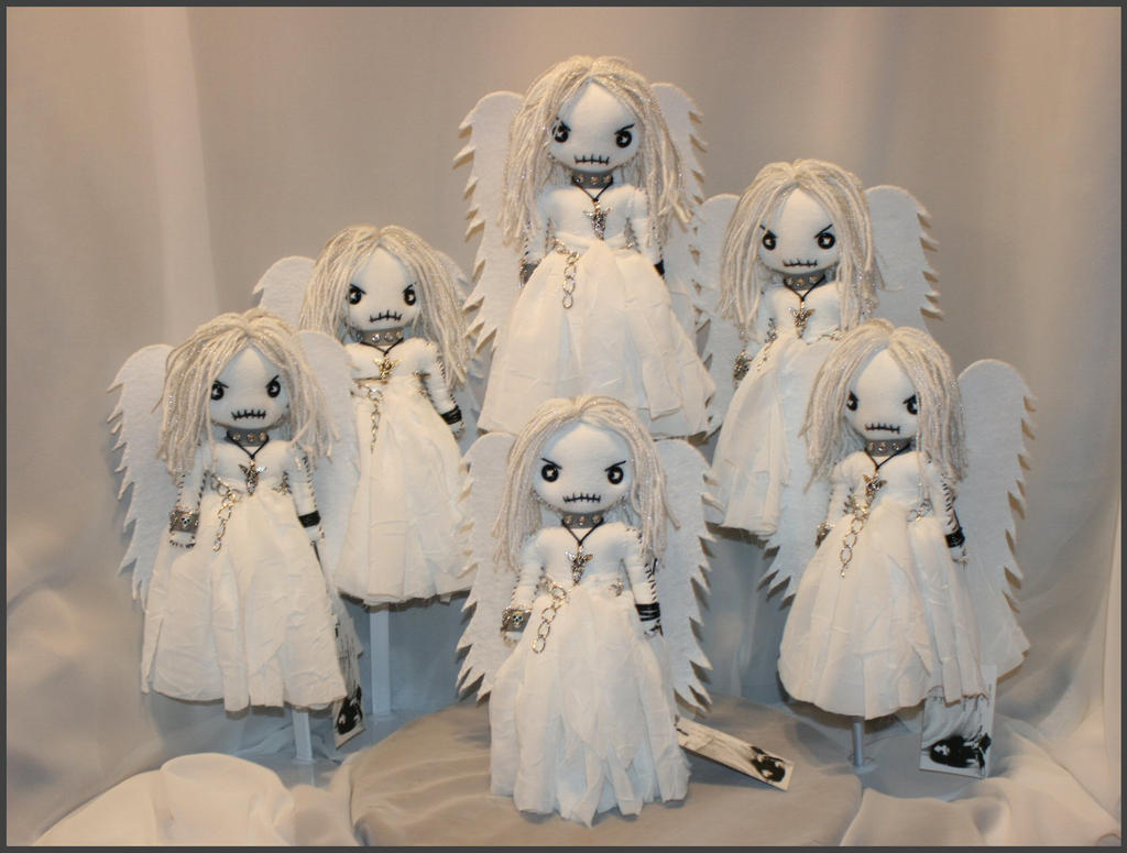 Mini Creepy Angels by Zosomoto