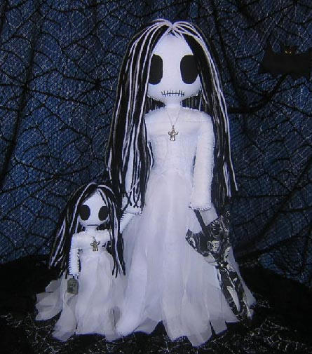 Spooky Ghost Rag Dolls by Zosomoto