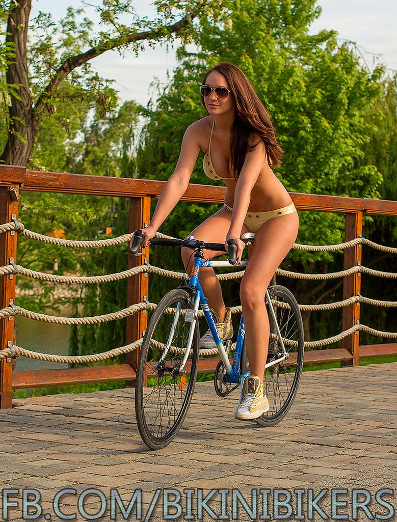 Bikini Bikers -6- by YELTZIN