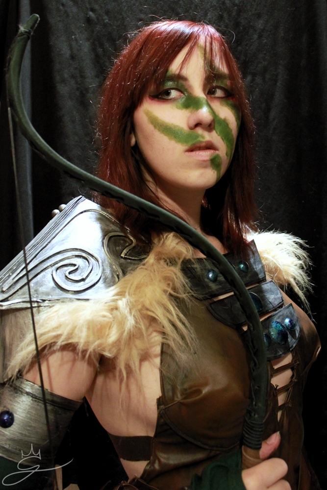 Preparing for a good hunt - Aela the Huntress by Gekroent ...