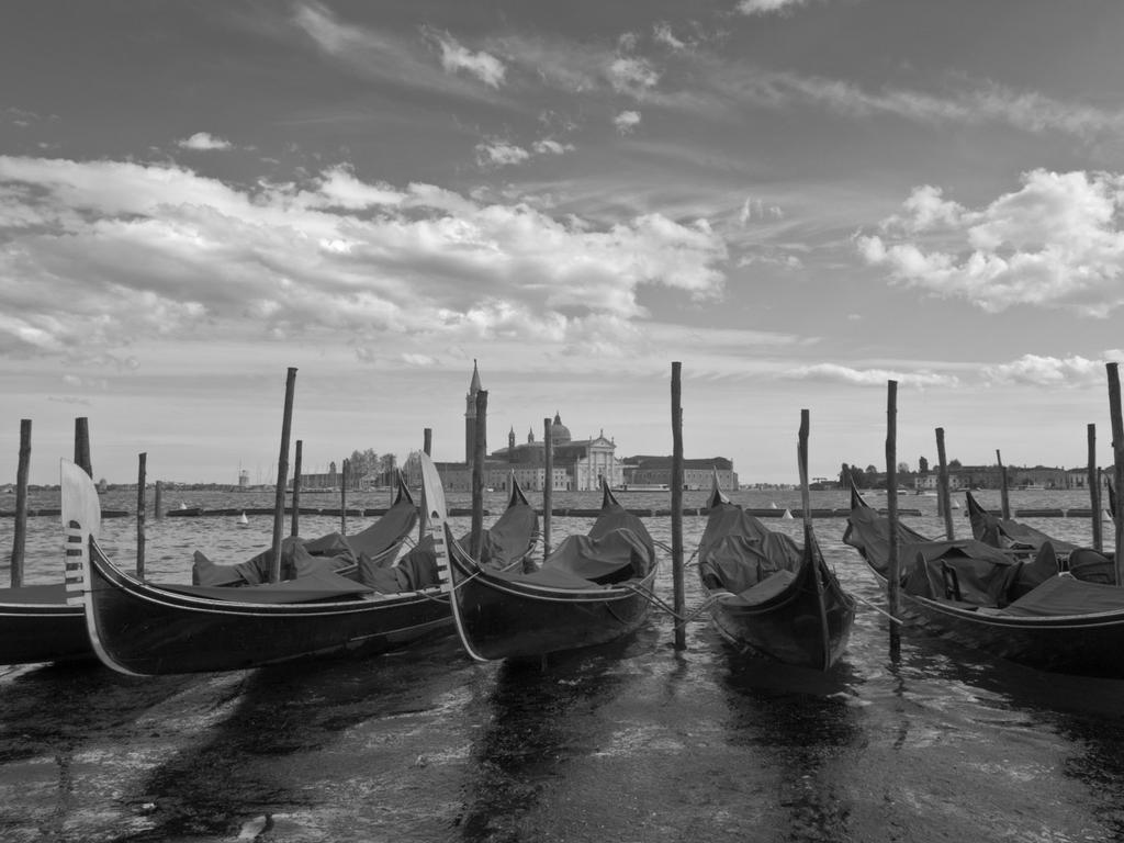 Winter in Venezia by zeevphoto