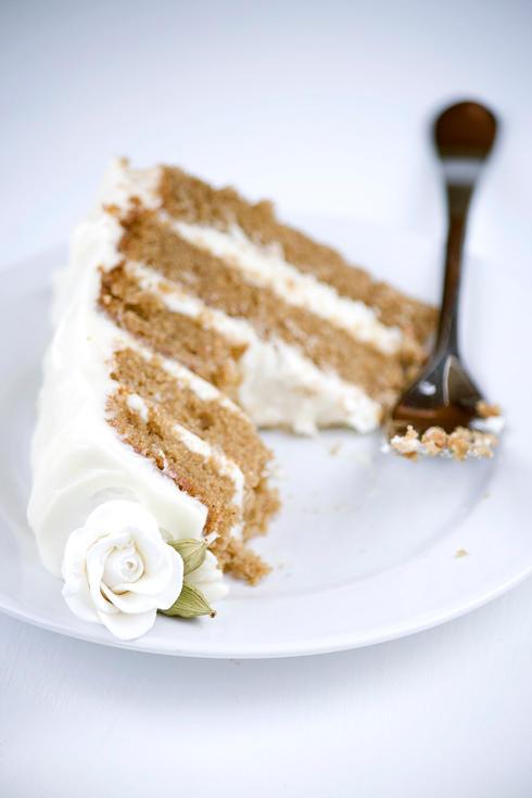 Chai Cake w Honey Ginger Cream