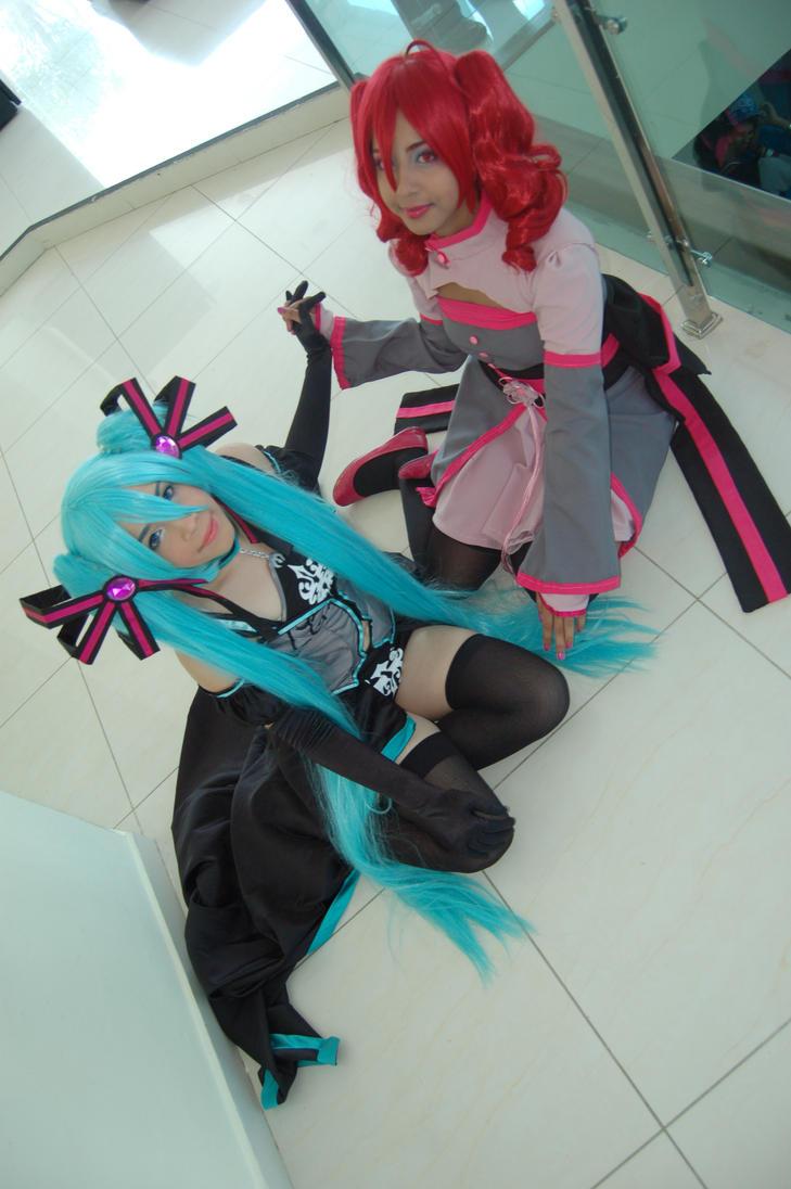Kasane Teto and Hatsune Miku Synchronicity by Akineechan