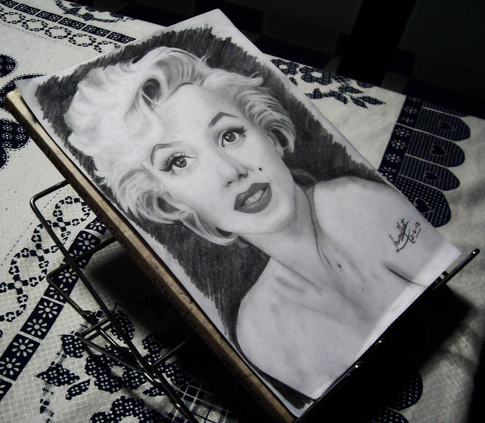 .:Marilyn Monroe:. by Lenore-m0rt