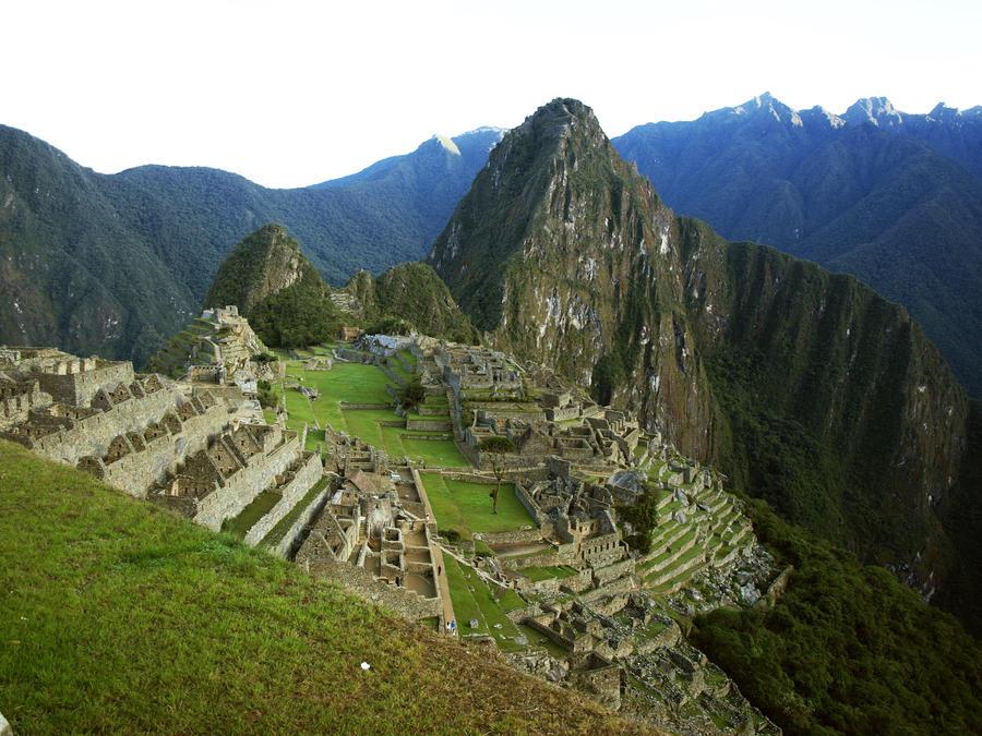 .:Machu Picchu:. by Lenore-m0rt