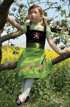Little Princess Anna climbing in the trees ....