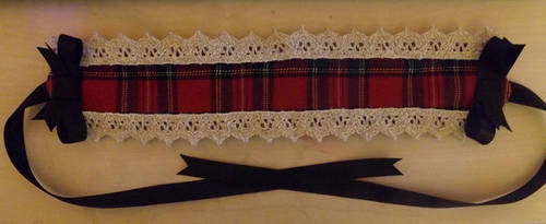 Tartan headdress by RanInTheDarkness