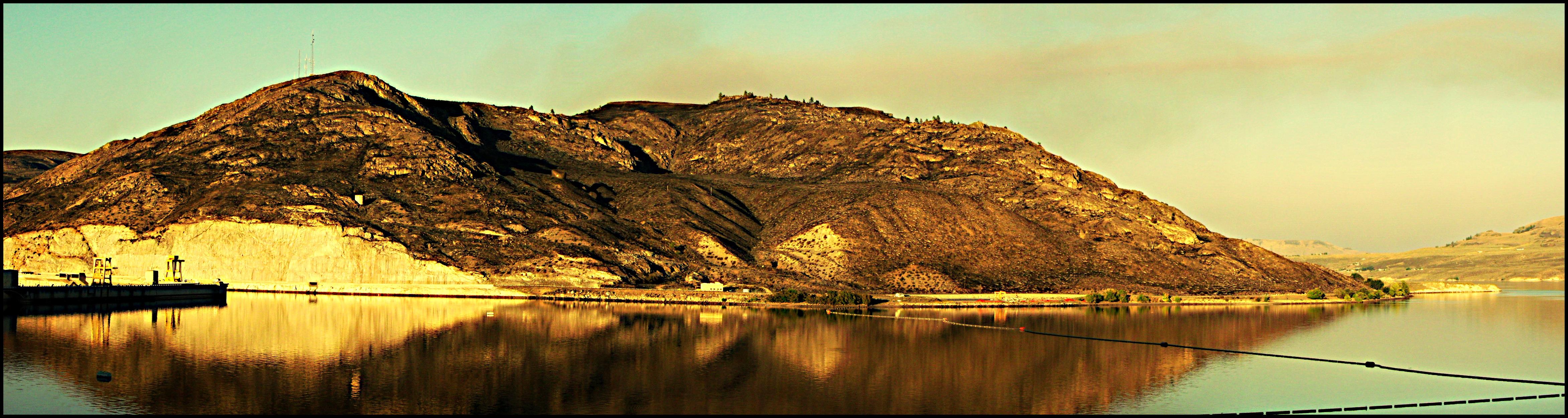 Grand Coulee Dam 2 by crimsonravenwarrior