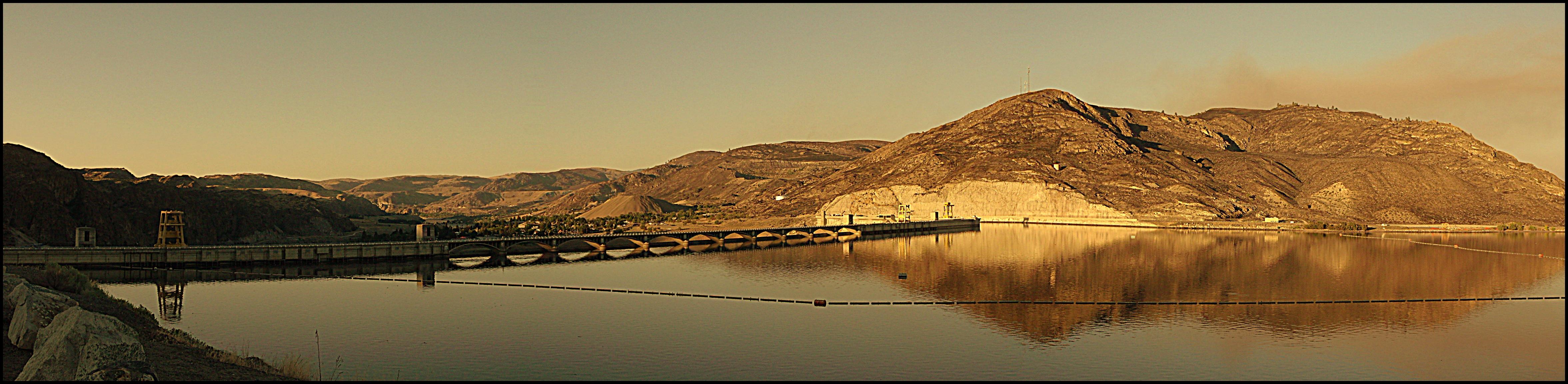 Grand Coulee Dam 4 by crimsonravenwarrior