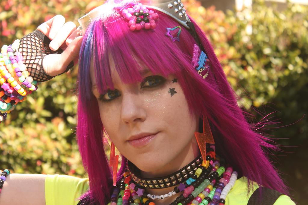 pretty rave girl lyrics № 661352