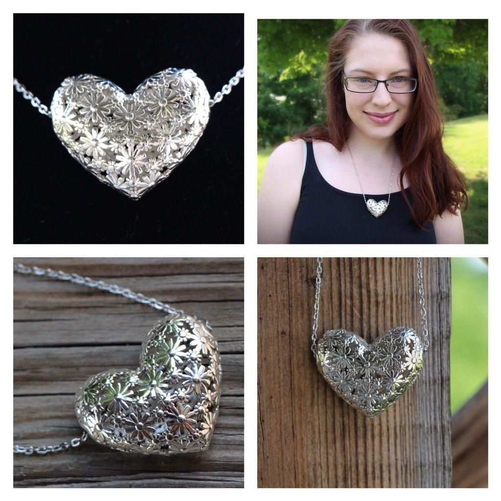 Daisy Heart pendant