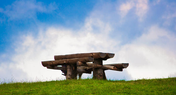 silence table by dutuflorin
