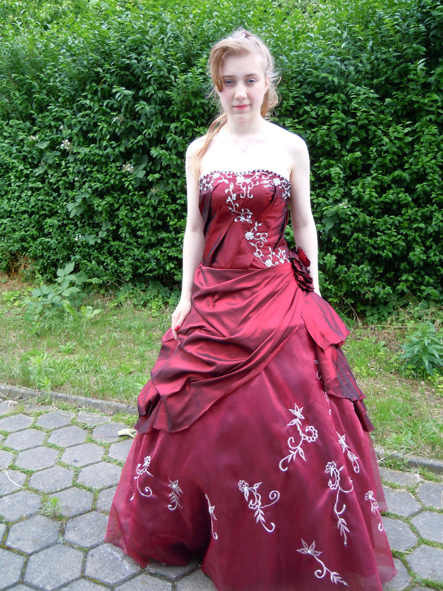 my prom dance dress - full view 2 ID by BlumeWillow on DeviantArt