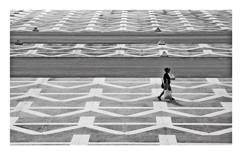 scattered black and whites by EstacionEsperanza