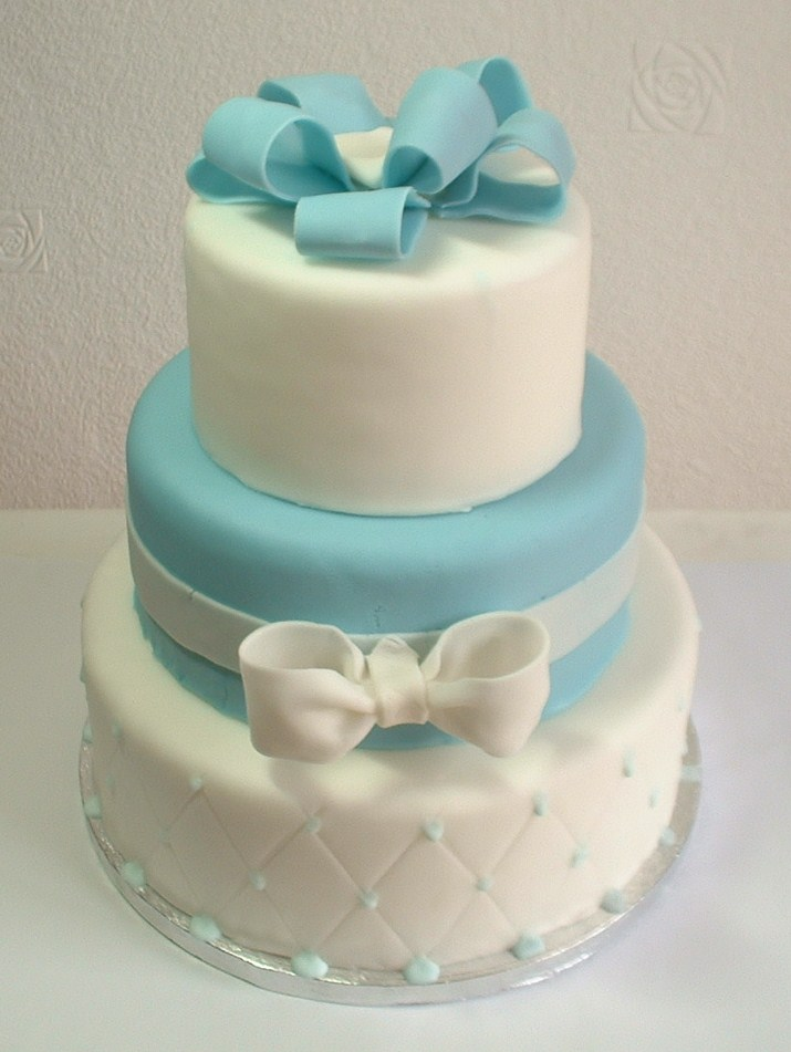 Cake Designs With Fondant : fondant cake 2 by jo144 on DeviantArt