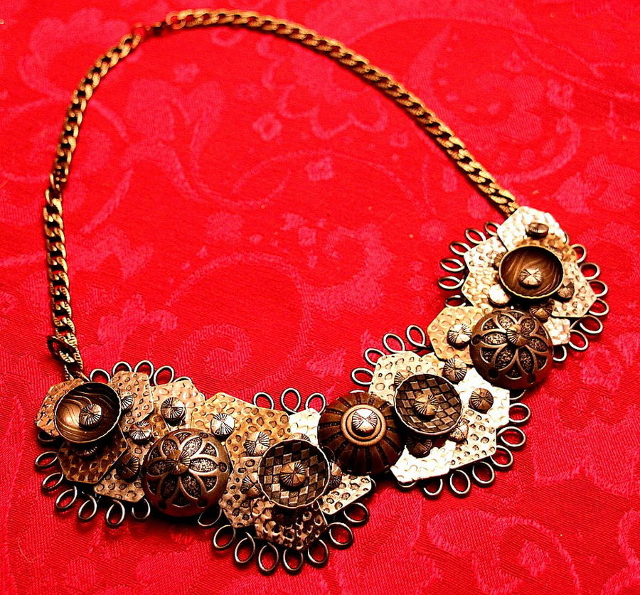 metal necklace by andartist