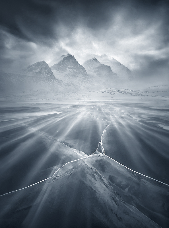 Homage to the Mountain by xZaiko