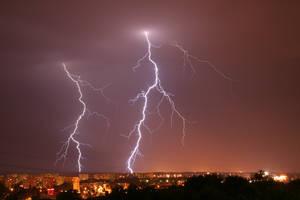 The lightning by rzata