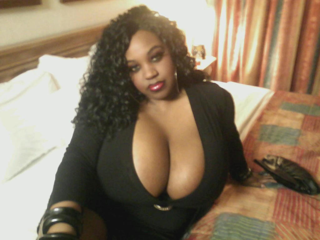 Sexy ass ebony latina spreading her legs open 6
