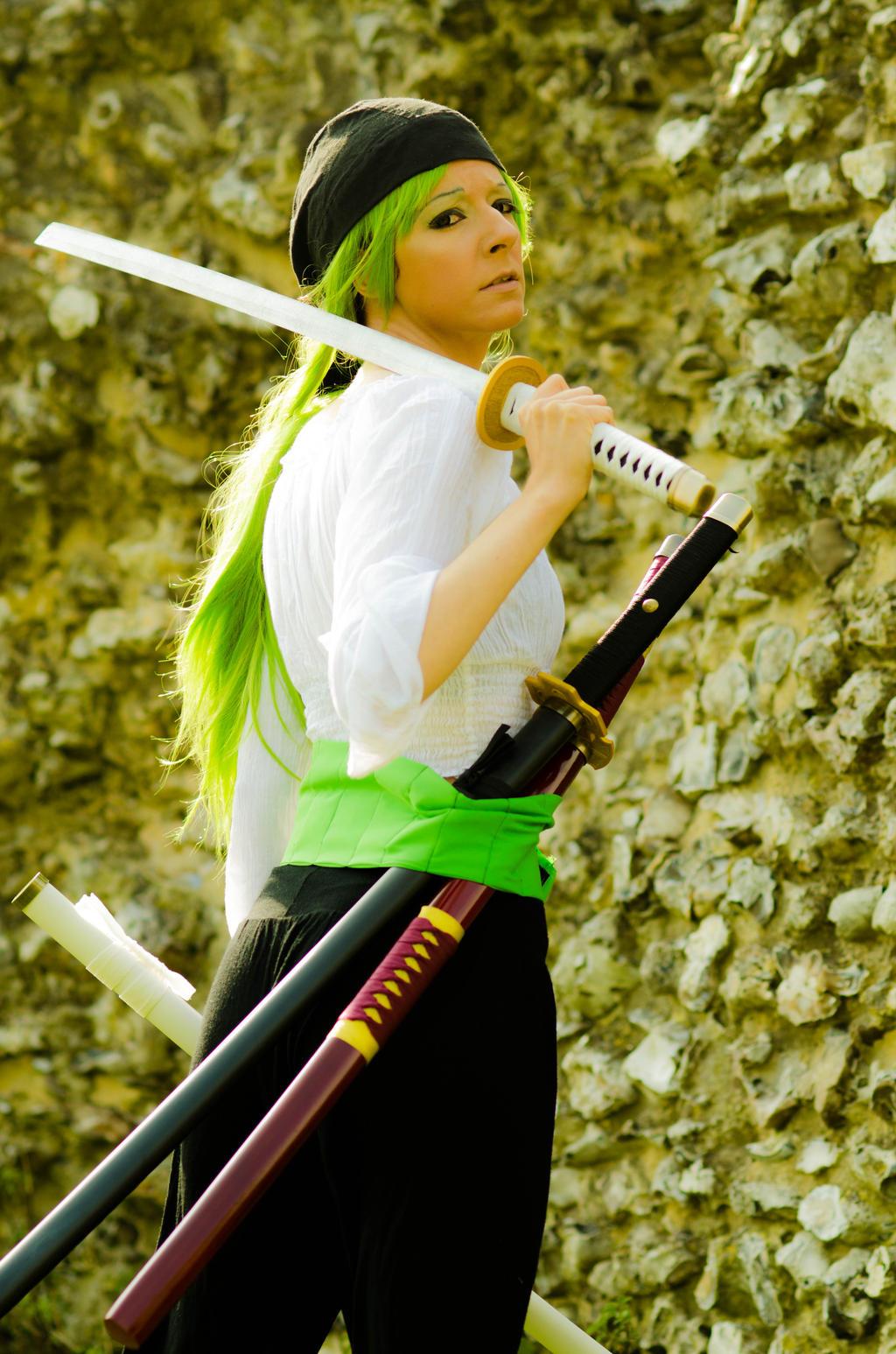 One Piece Cosplay: Roronoa Zoro Genderbender by ...