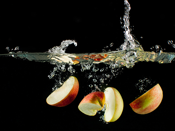 apple splash by Moramarth