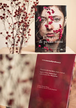 Una casa di petali rossi   bookcover