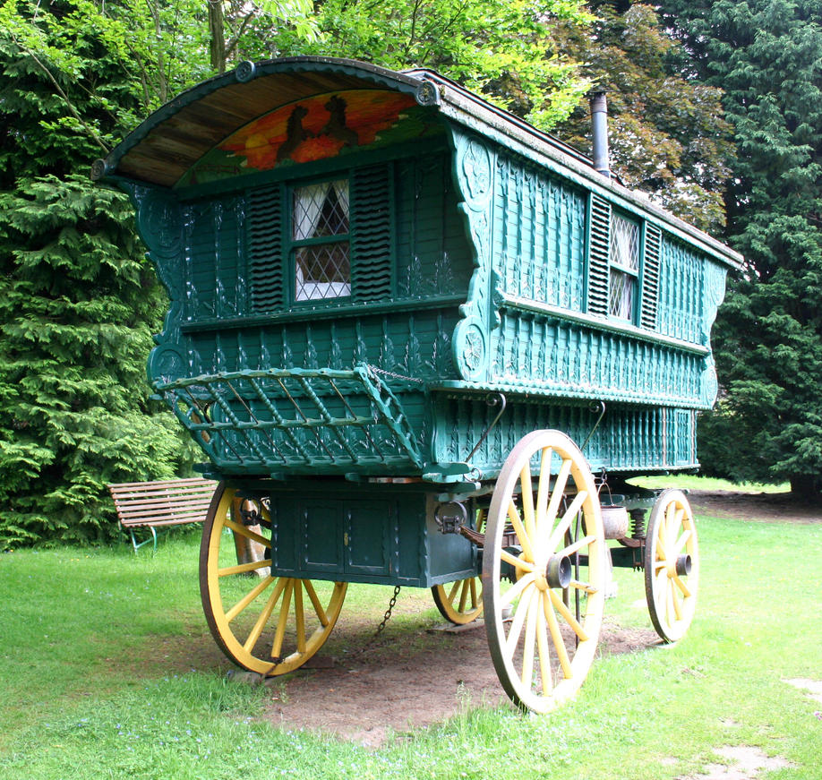 1000 images about camping and caravans on pinterest gypsy caravan museums and minimalist style - The minimalist caravan ...