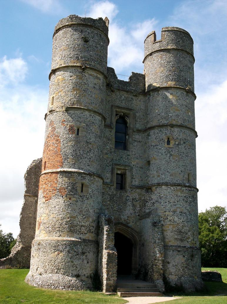 Donnington Castle 6 by OghamMoon