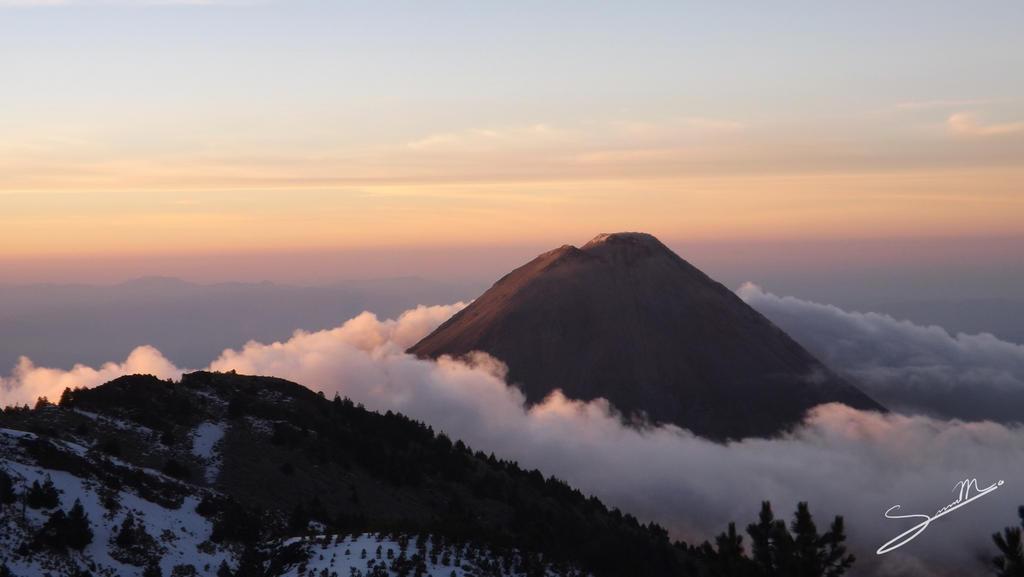 Volcan de Colima by SilverMoon-Archer