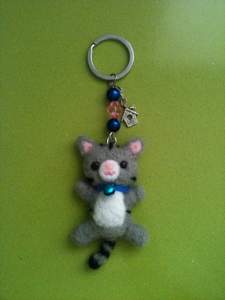 Needle Felted Kitten Keychain by anapeig