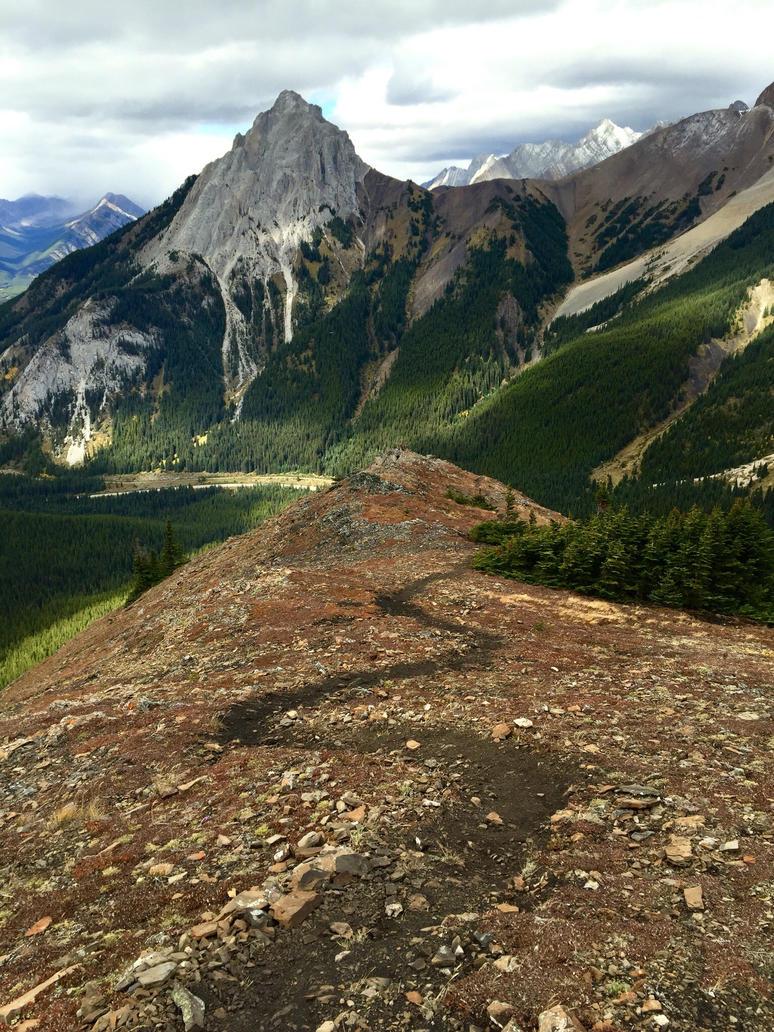Winding down the ridgeline by HannahSluijer