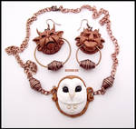 Knocker Earrings Labyrinth + Necklace White OWL