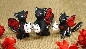 Kitties with kitsune masks