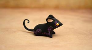 A little black mouse