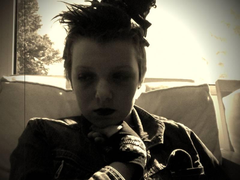 Halloween headshot 2 by Bleached-Angel