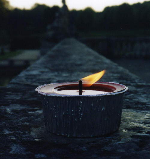 Plamen  svece - Page 2 A_candle_to_light_your_way_by_iamthebeet