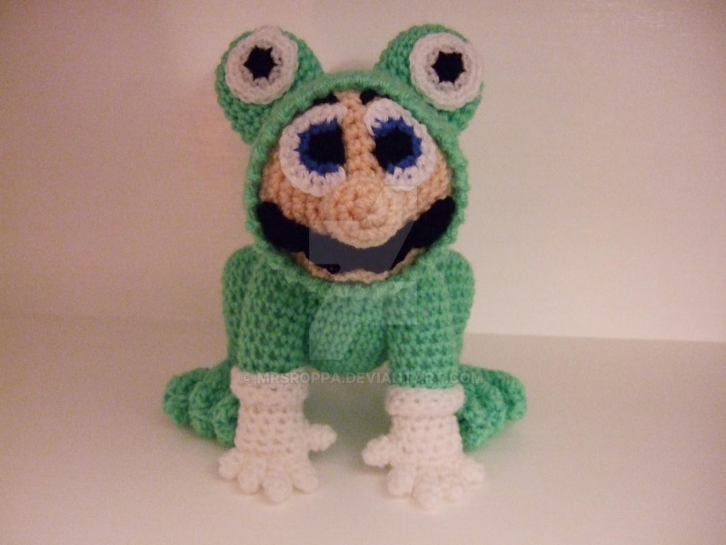 Mario in his frog suit. Free pattern by Mrsroppa on DeviantArt