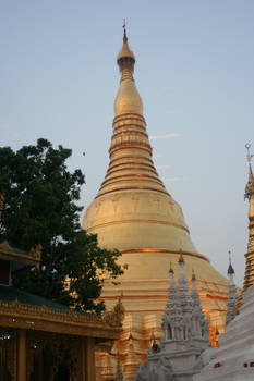 shwedagon stupa burma