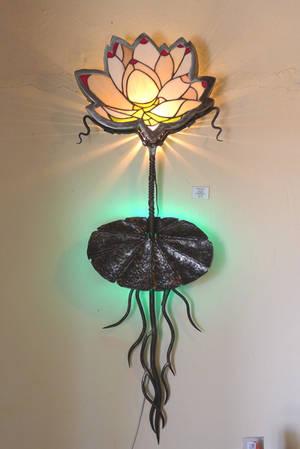 lotus light - detail of metal