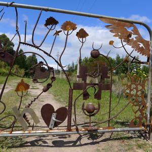 farm gate detail 5