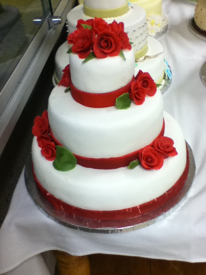 anime inspired wedding cakes wedding cake by anime chan on deviantart 10777