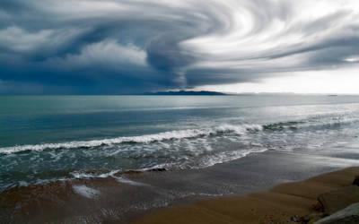 Stormy Beach by ryanstfu